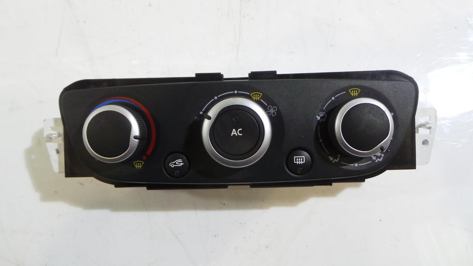 Renault Megane III USED Heater Controller Panel Air conditioning 275101203R