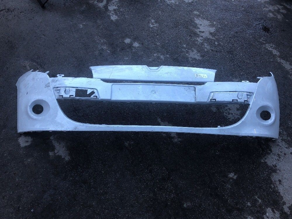RENAULT MEGANE MK3 3 DOOR FRONT BUMPER 08 TO 12  GEN RENAULT PART WHITE